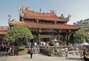 Longshan_Temple,_Taipei_01