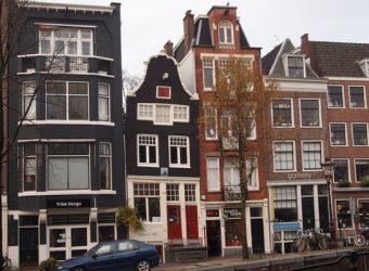 Spiegelkwartier houses along a canal in Amsterdam.