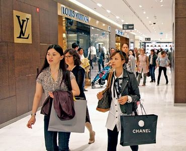 Shopping is Big Business for Overseas Visitors to the US